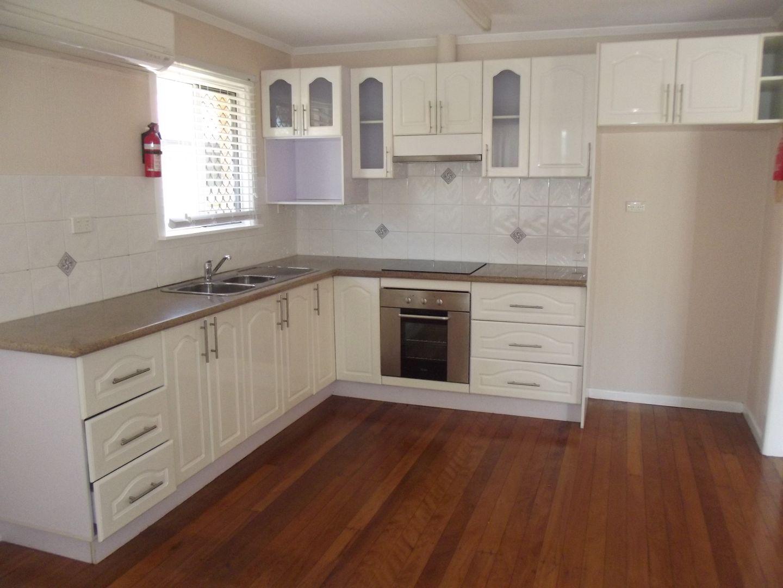 7 Jacaranda Ave, Redcliffe QLD 4020, Image 2
