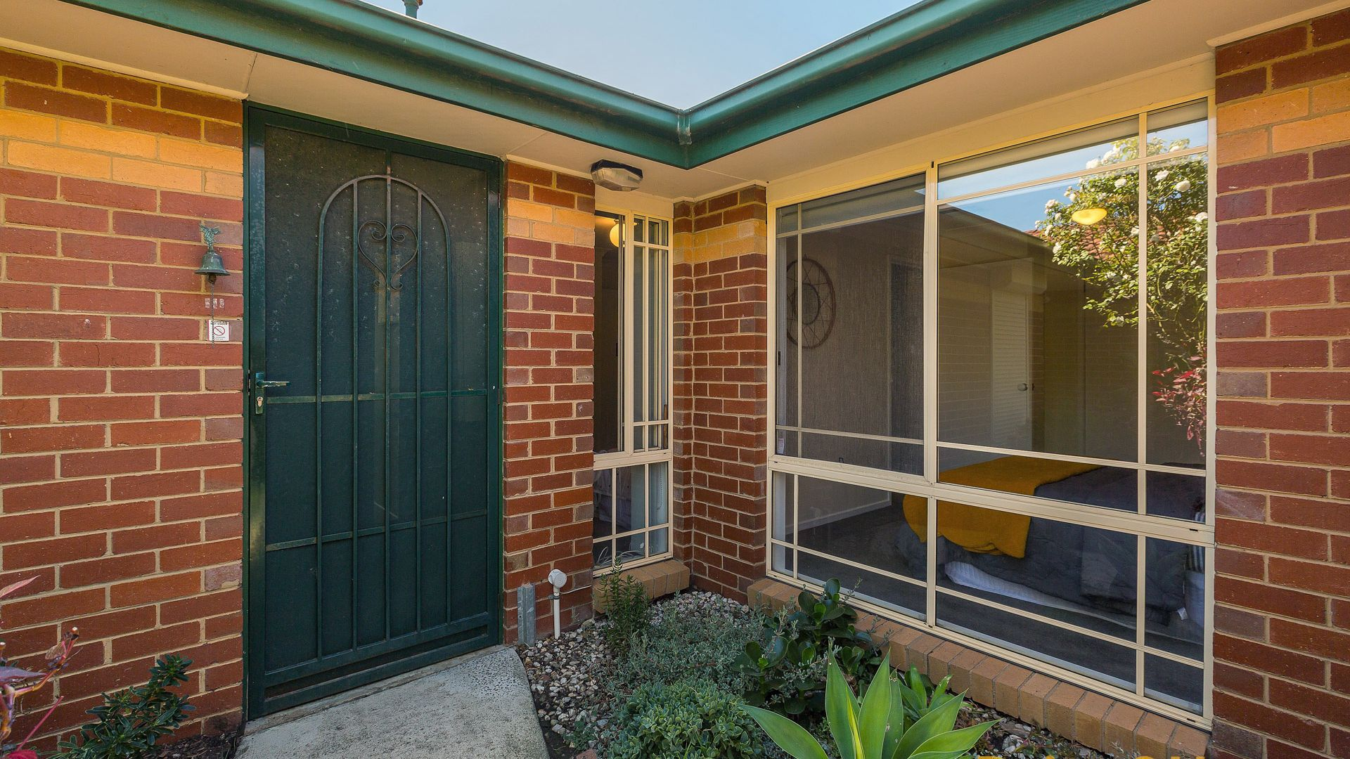 2/114 Johnston St, Newport VIC 3015, Image 2