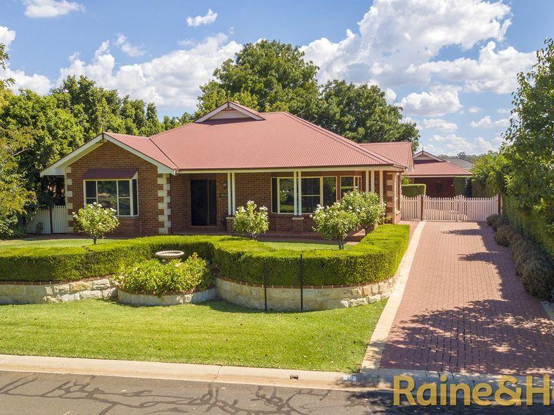 17 Hillcrest Place, Dubbo NSW 2830, Image 1