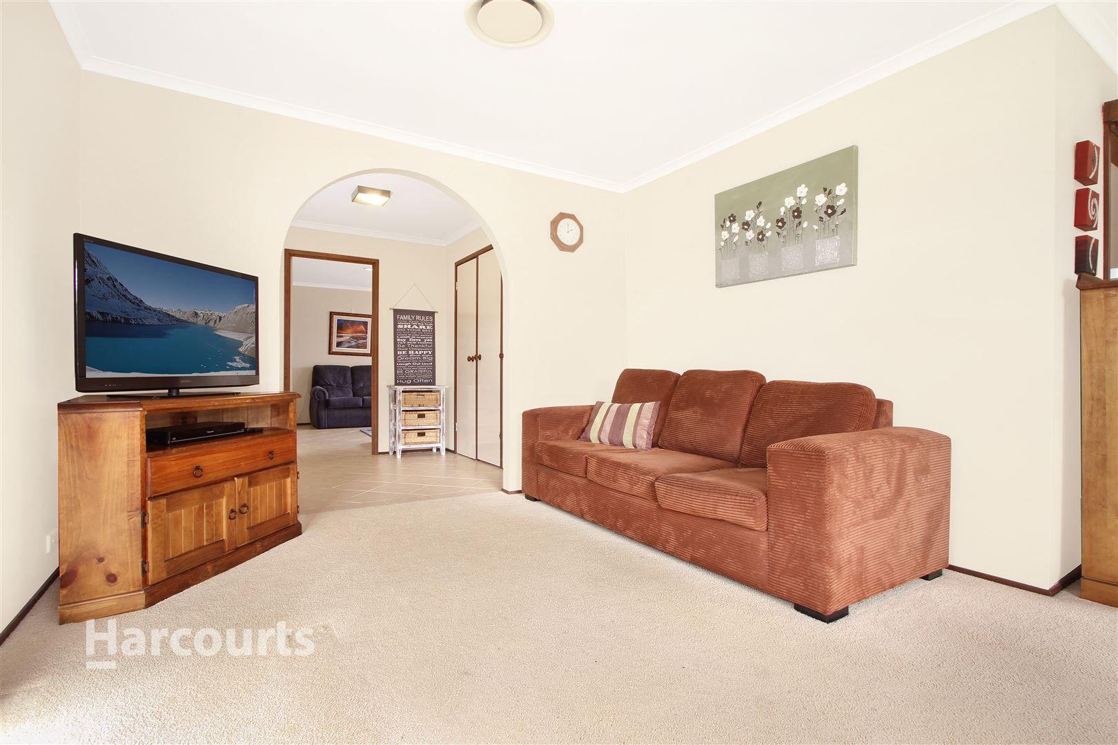 15 Huxley Drive, Horsley NSW 2530, Image 1