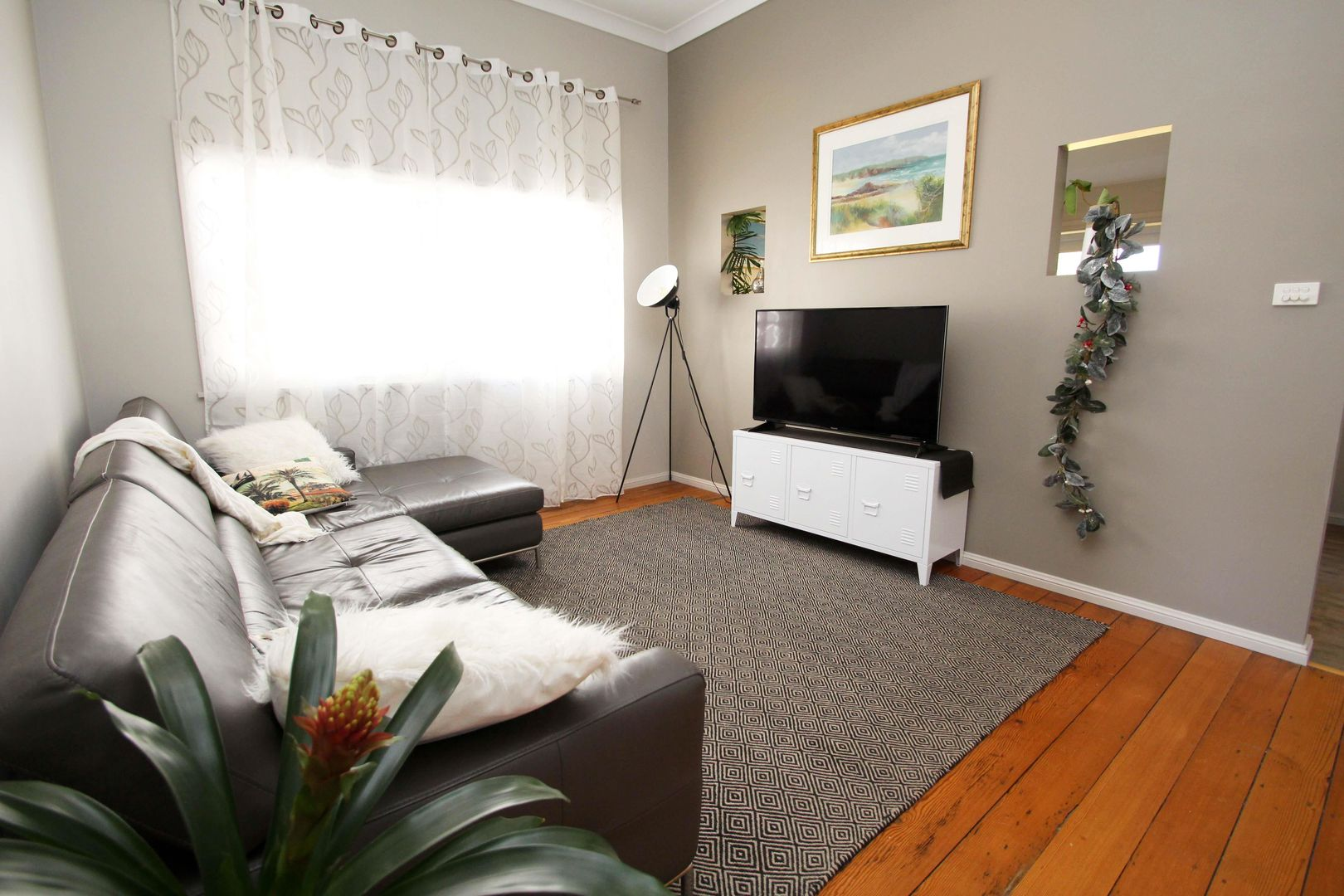43 Teralba Road, Broadmeadow NSW 2292, Image 2