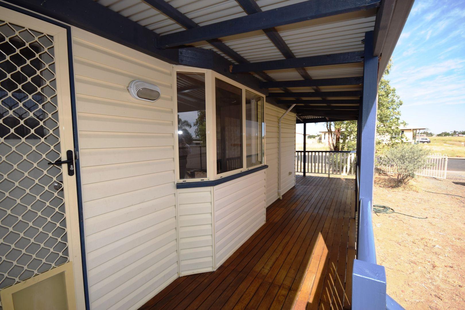 16 Teal Street, Longreach QLD 4730, Image 2