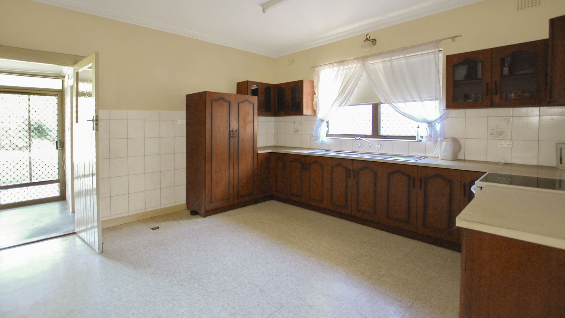 10 Blanden Avenue, Marden SA 5070, Image 2