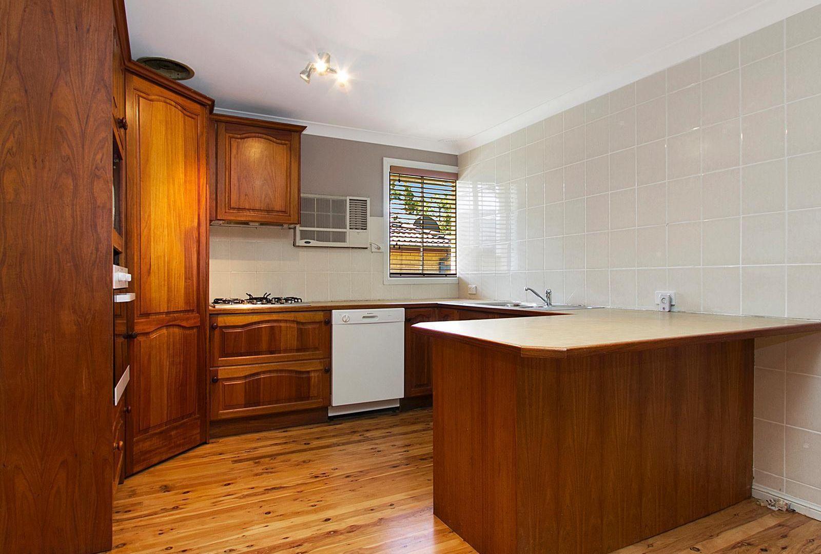 14 Santiago Place, Seven Hills NSW 2147, Image 2