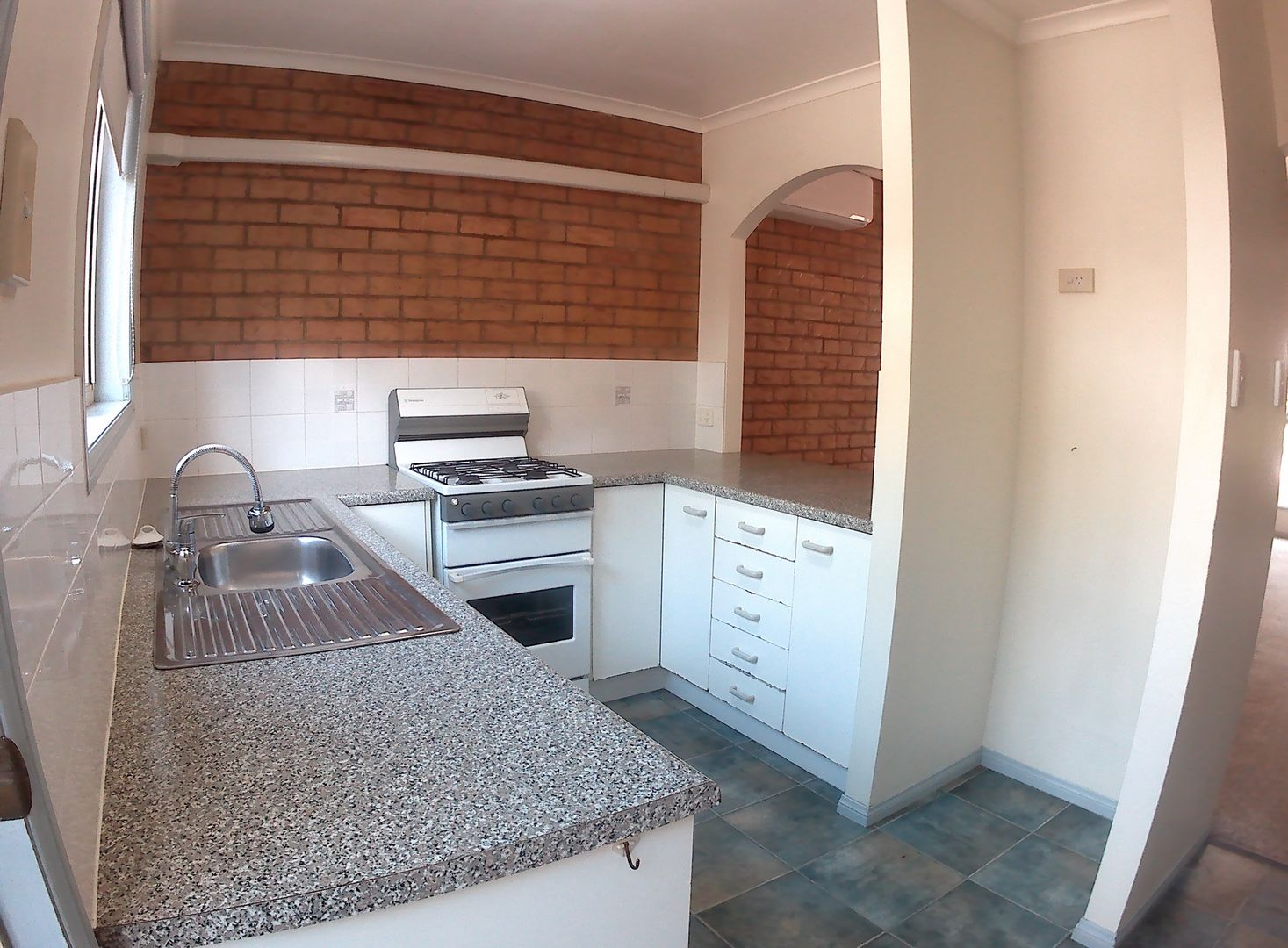 Springwood QLD 4127, Image 2