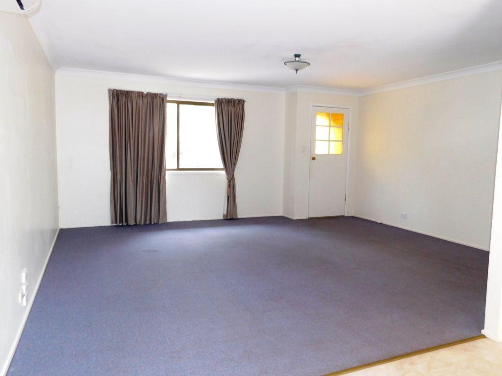 Unit 2 6 Drayton Street, Nanango QLD 4615, Image 2
