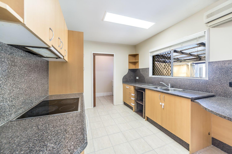 11 Boongala Road, Broadbeach Waters QLD 4218, Image 2