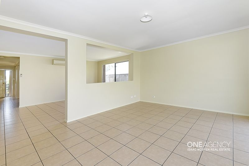9 Abbotsford Place, Forest Lake QLD 4078, Image 2