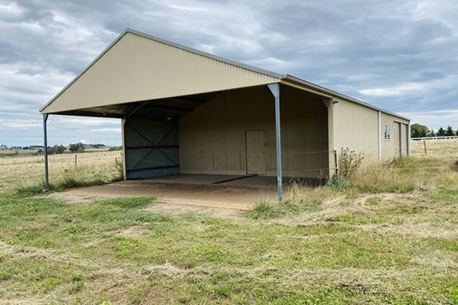 Picture of 105 Charles Booth Way, MILLTHORPE NSW 2798