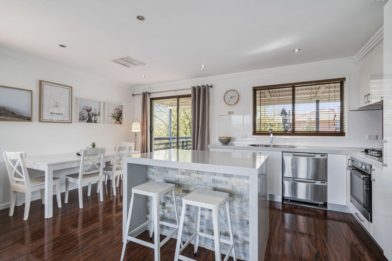 322 Bimbadeen Avenue, East Albury NSW 2640, Image 2