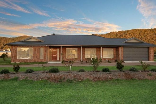 Picture of 29 Lomandra Circuit, PATERSON NSW 2421