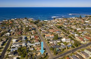 Picture of 1/2 Yethonga Avenue, Blue Bay NSW 2261