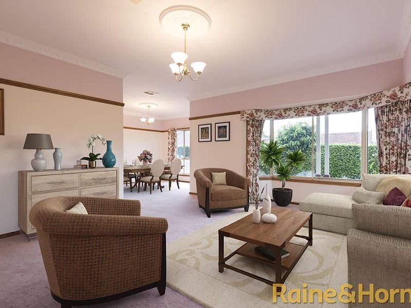 17 Hillcrest Place, Dubbo NSW 2830, Image 2