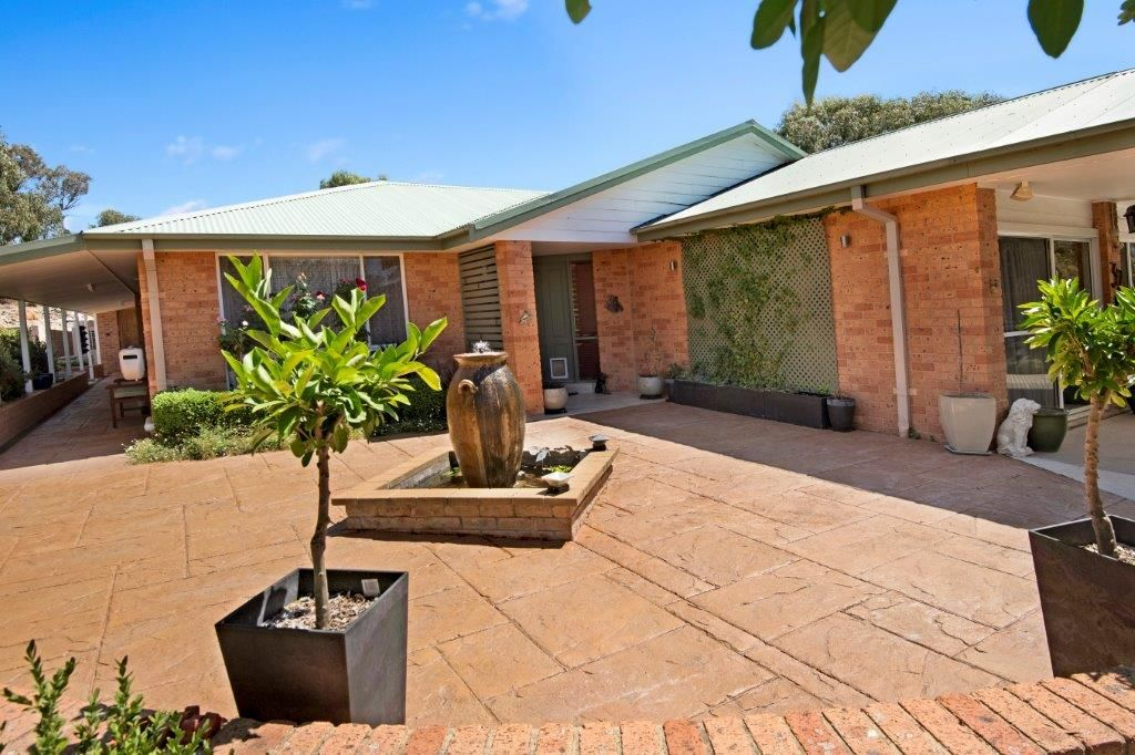 32 Butlers Creek Close, Cooma NSW 2630, Image 1