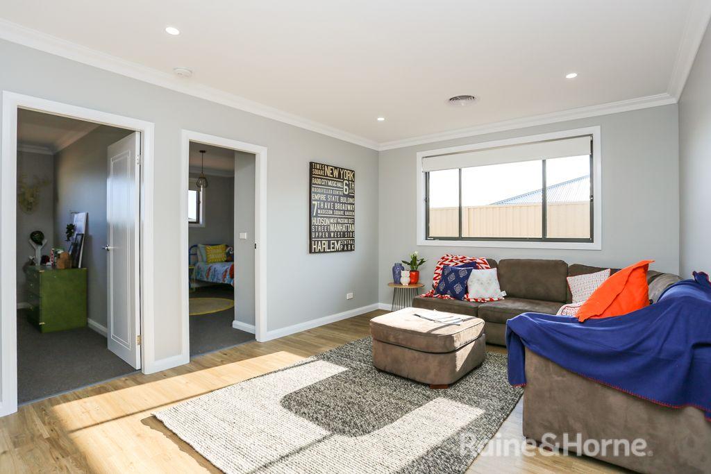 8 Kemp Street, Eglinton NSW 2795, Image 2