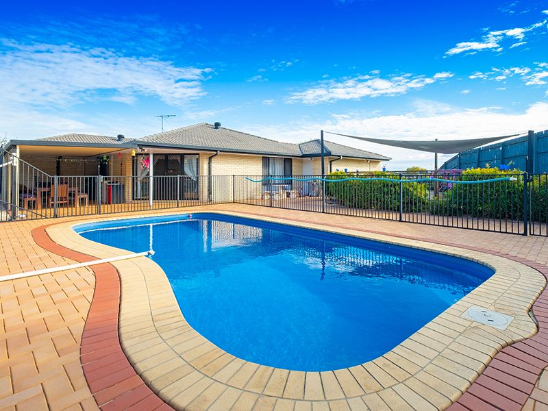 7 Flordagold Place, Heritage Park QLD 4118, Image 1