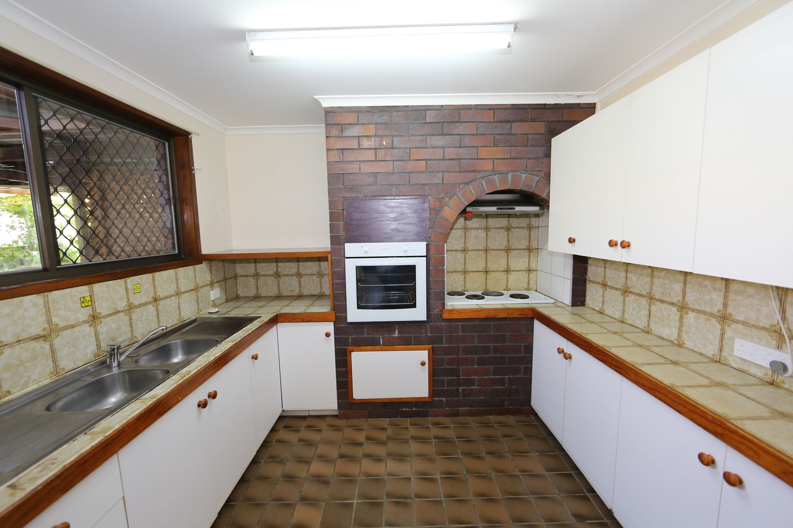 31 Endsleigh Street, MacGregor QLD 4109, Image 1