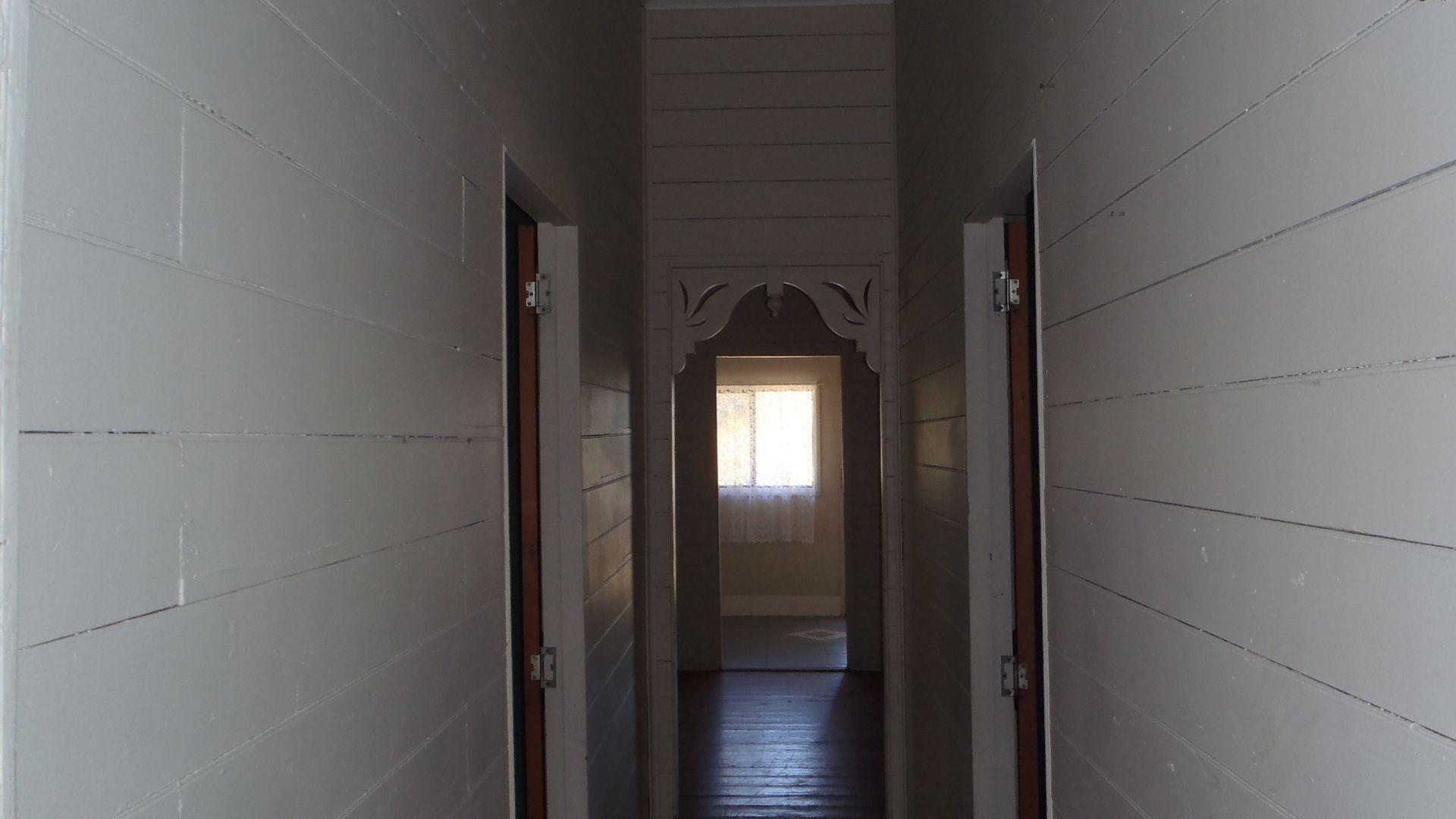 17 Grey Street, Mount Morgan QLD 4714, Image 2