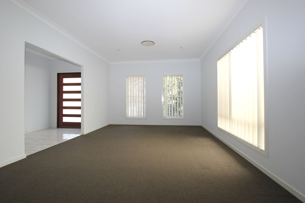 5 Tewantin Way, Waterford QLD 4133, Image 2