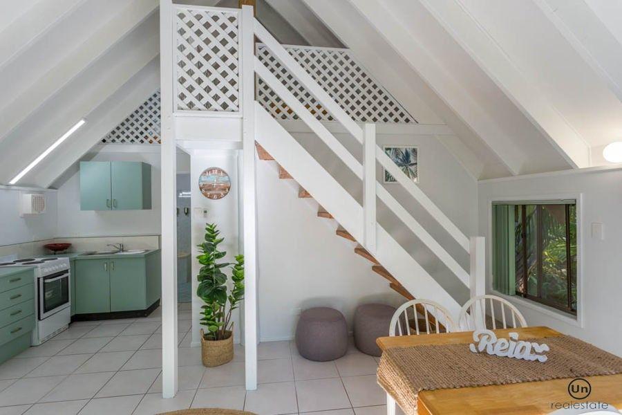 8/10-12 Tropic Lodge Place, Korora NSW 2450, Image 2
