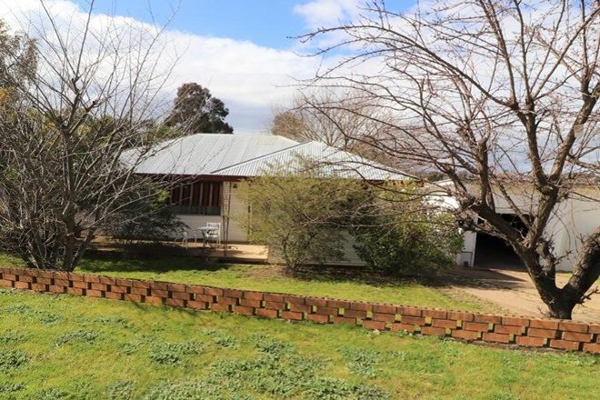 Picture of 12 Lansdowne Street, YOUNG NSW 2594