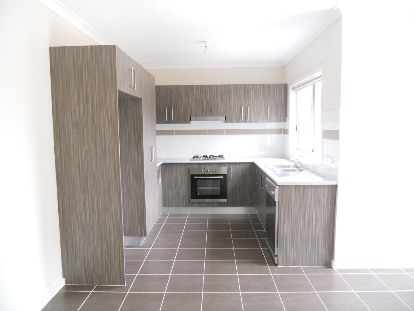 3 bedrooms Apartment / Unit / Flat in 1/49 Nicklaus Drive HOPPERS CROSSING VIC, 3029