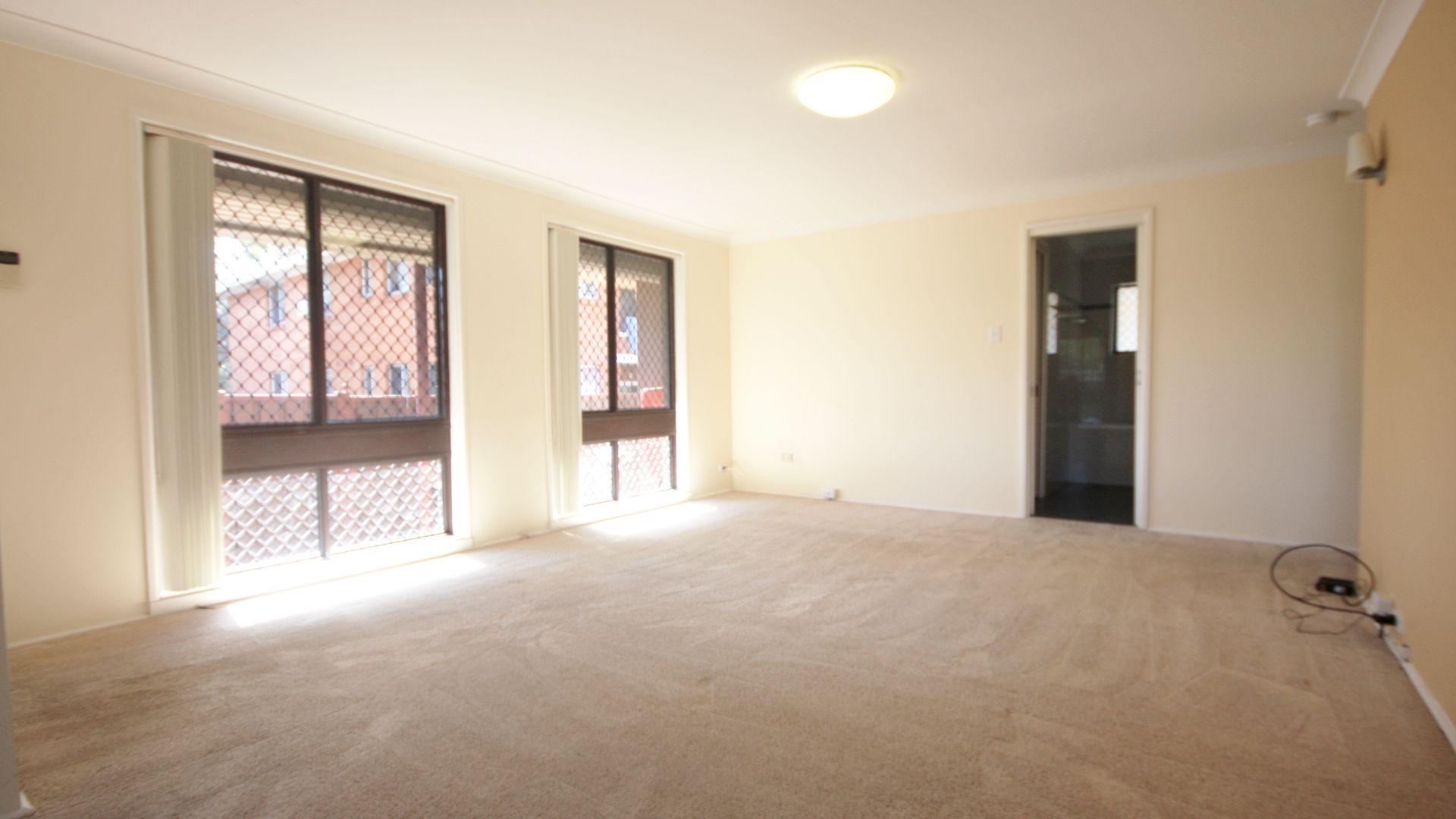 11/25 Trafalgar Street, Glenfield NSW 2167, Image 1