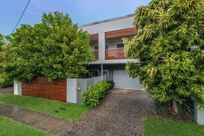 Picture of 29 Barton Street, HAWTHORNE QLD 4171