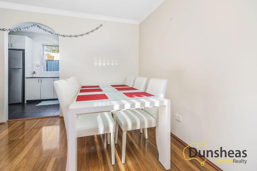 3/14 Bunbury Road, Macquarie Fields NSW 2564, Image 2