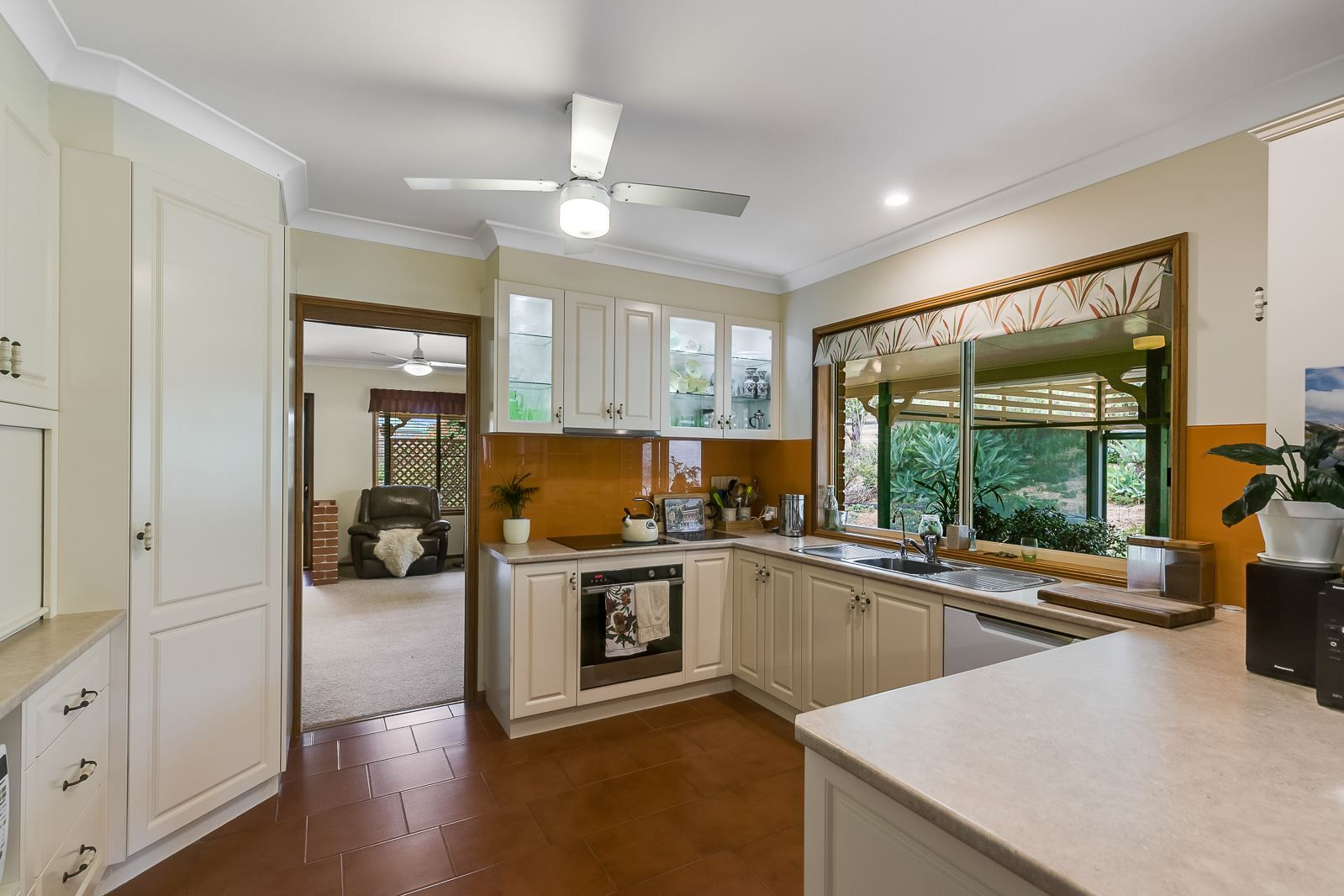 4 Stark Drive, Vale View QLD 4352, Image 2
