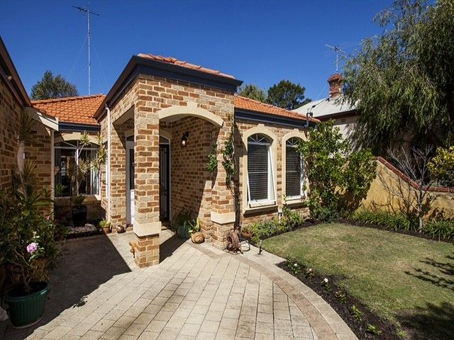 27B Scott Street, South Fremantle WA 6162, Image 0