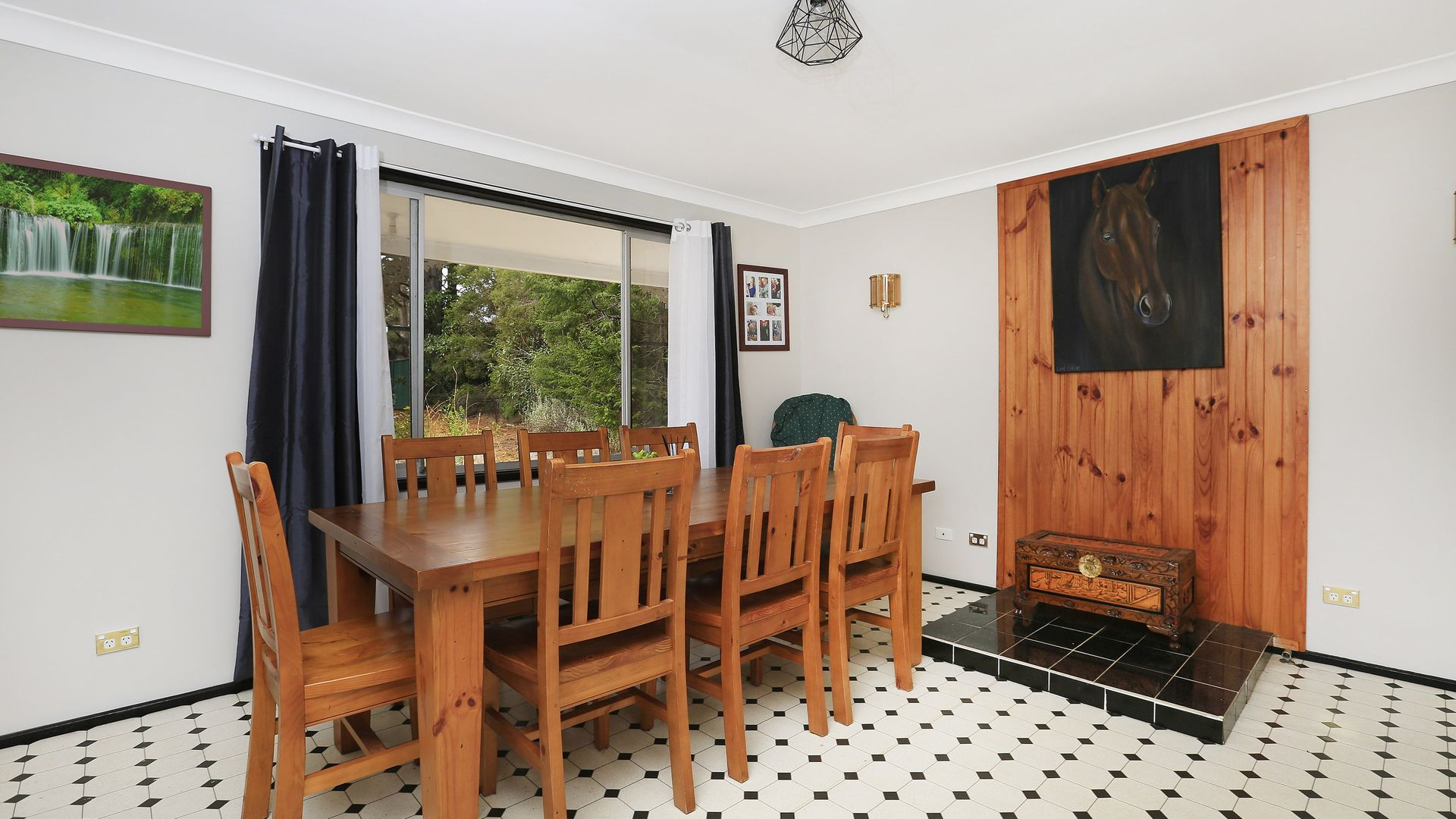 21 Banksia Street, Hill Top NSW 2575, Image 2