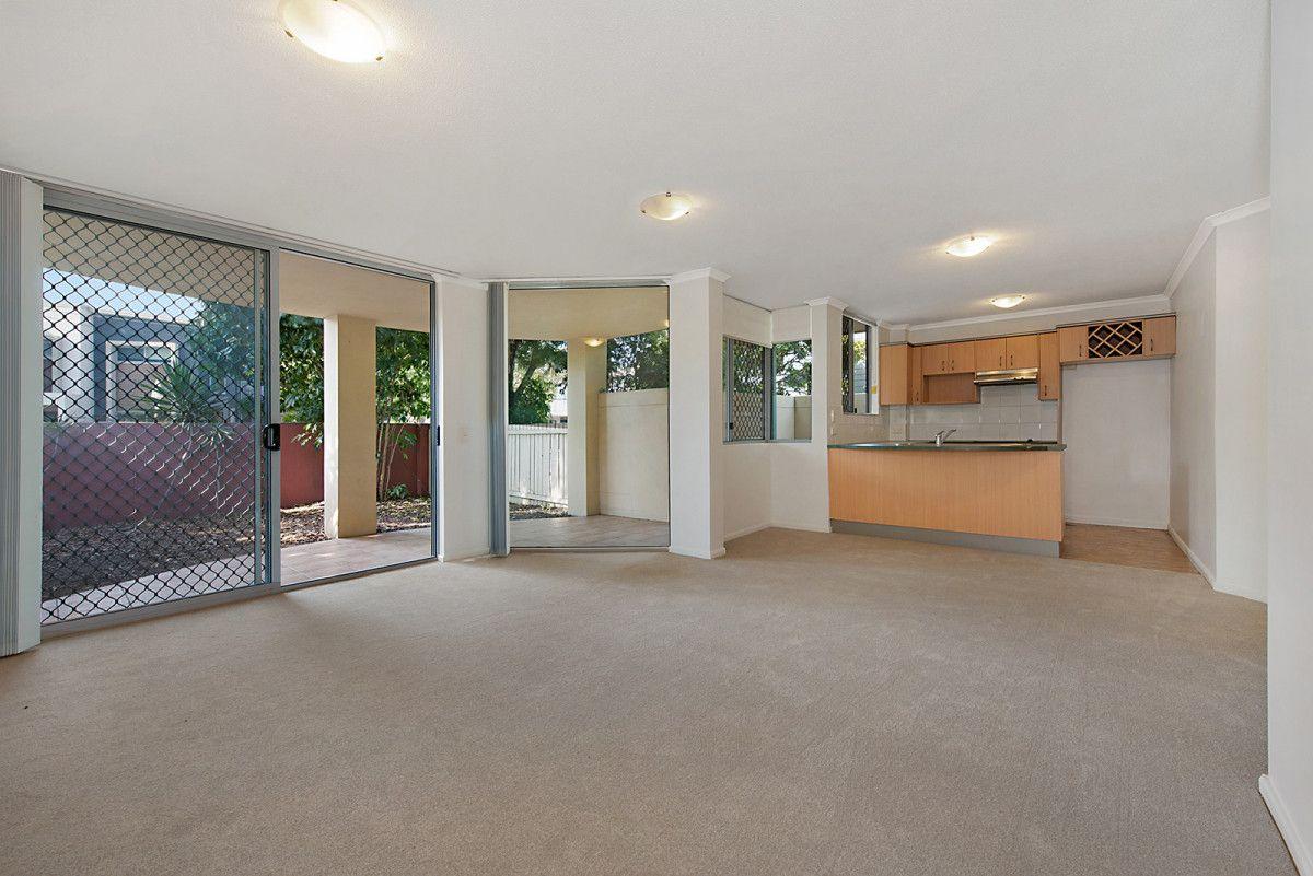 1/75 Allen Street, Hamilton QLD 4007, Image 2