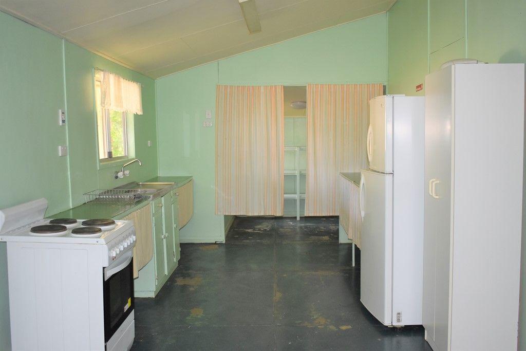 6 Baker Street, Nebo QLD 4742, Image 2