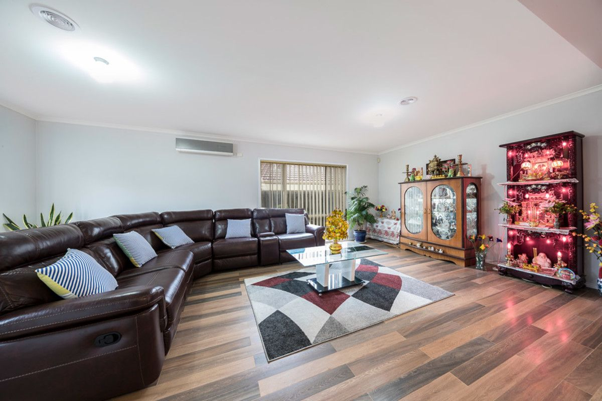 21 Findon Road, Epping VIC 3076, Image 2