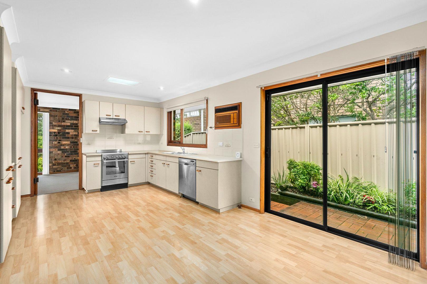 10 Belwarra Avenue, Figtree NSW 2525, Image 2