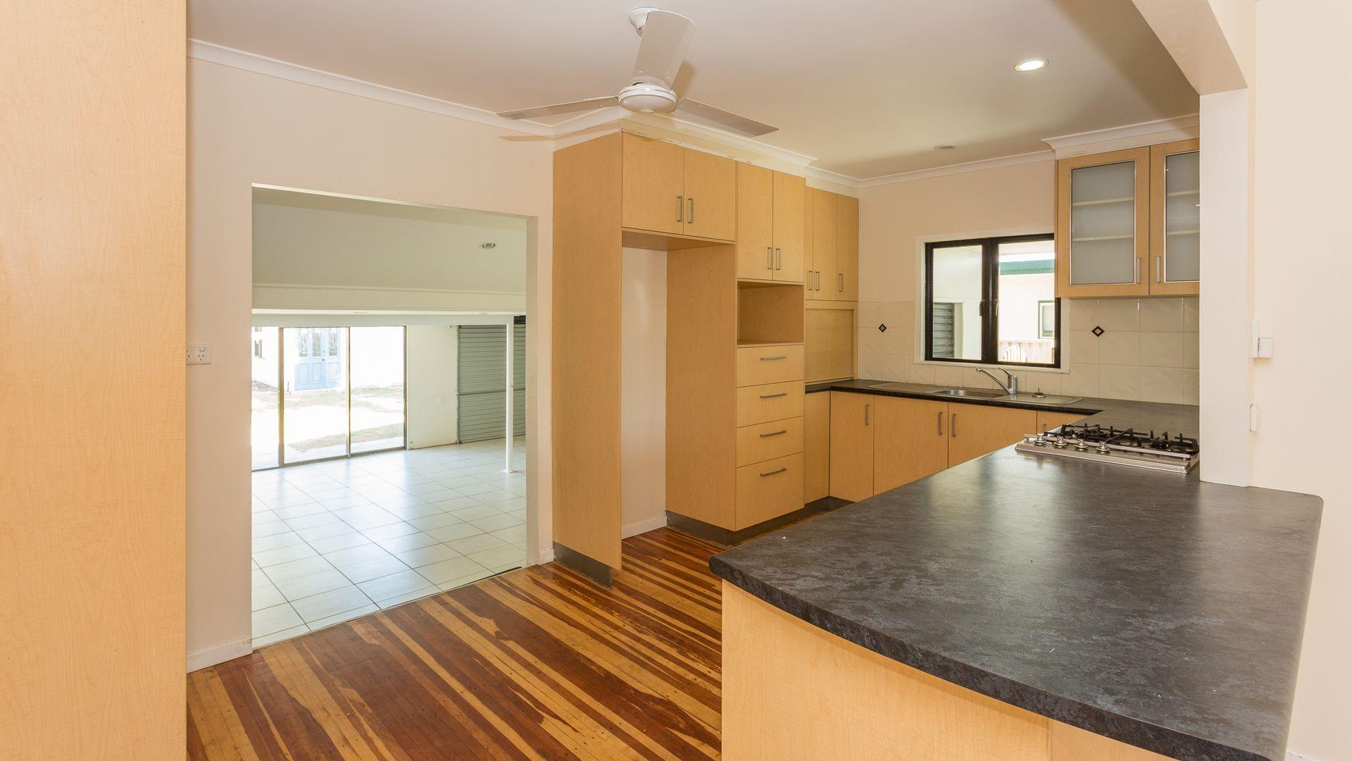 3 Emu Street, Slade Point QLD 4740, Image 2