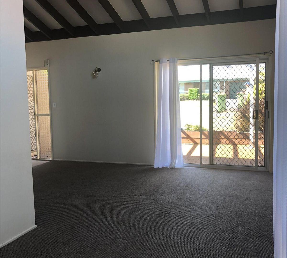 12 Kingsford Smith Drive, Wilsonton QLD 4350, Image 2