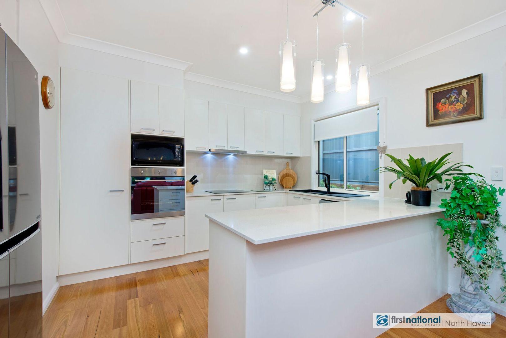 4 Arafura Street, Lake Cathie NSW 2445, Image 2