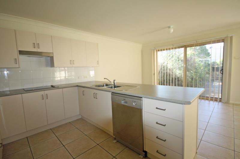 2/37 Nelson Drive, Singleton NSW 2330, Image 2