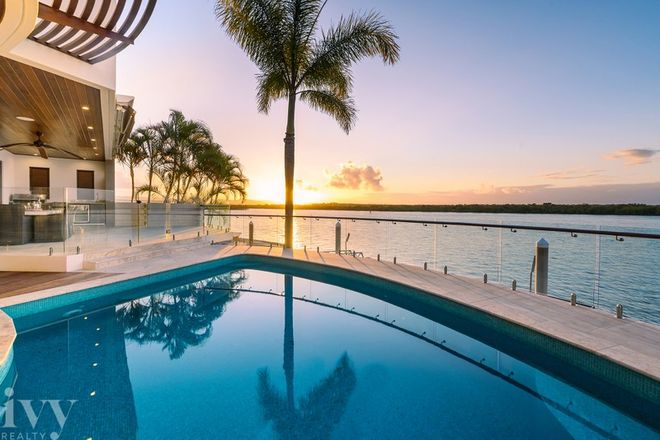 Picture of 43 Knightsbridge Parade West, SOVEREIGN ISLANDS QLD 4216