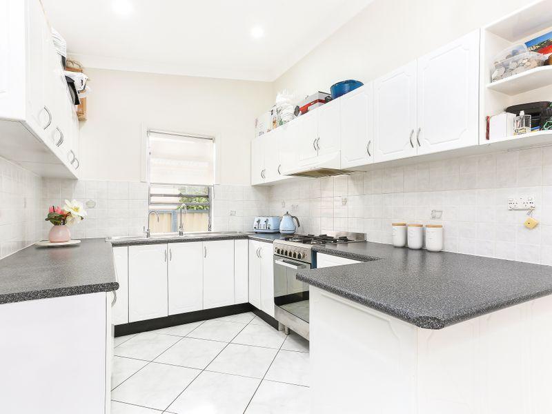 17 Princes Street, Bexley NSW 2207, Image 2