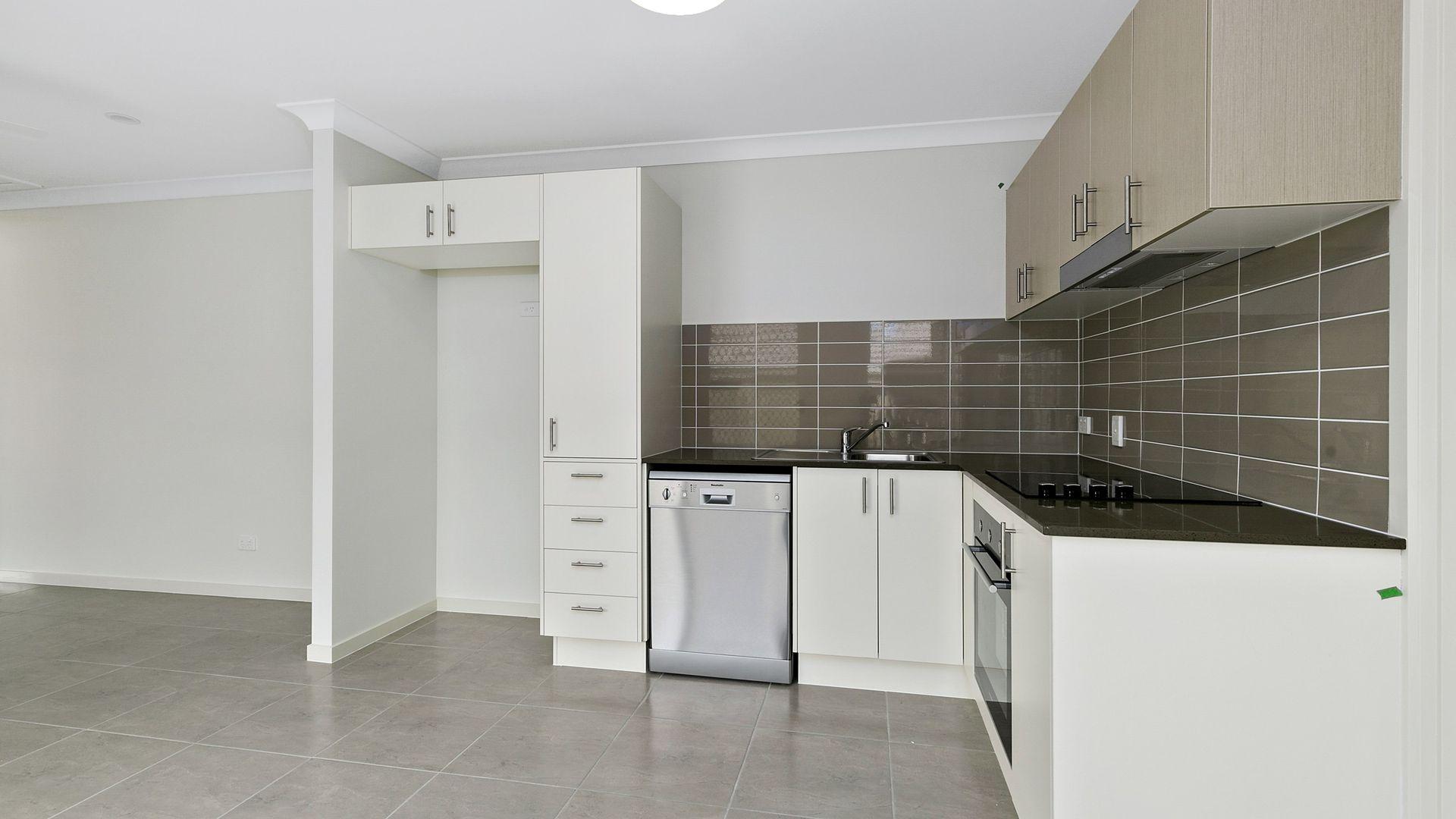 2/21 Juxgold Avenue, Collingwood Park QLD 4301, Image 1