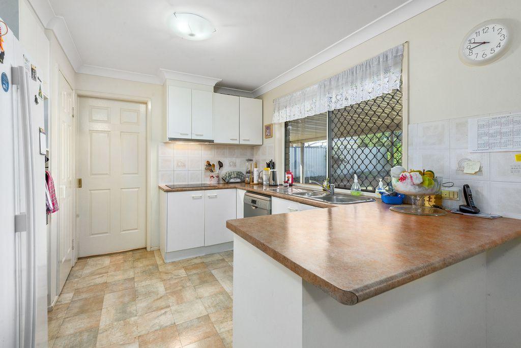 34 Paulene Crescent, Kearneys Spring QLD 4350, Image 2