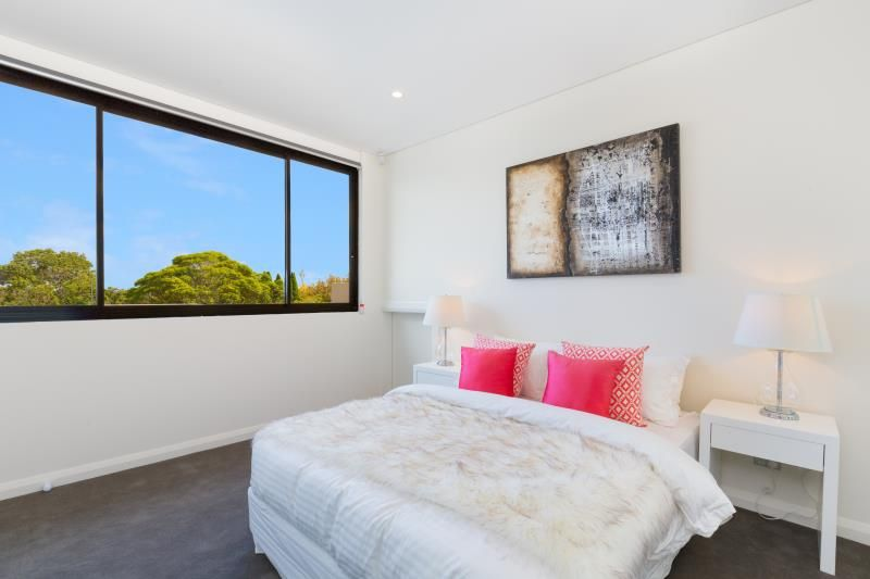 302/54 Strathallen Avenue, Northbridge NSW 2063, Image 2