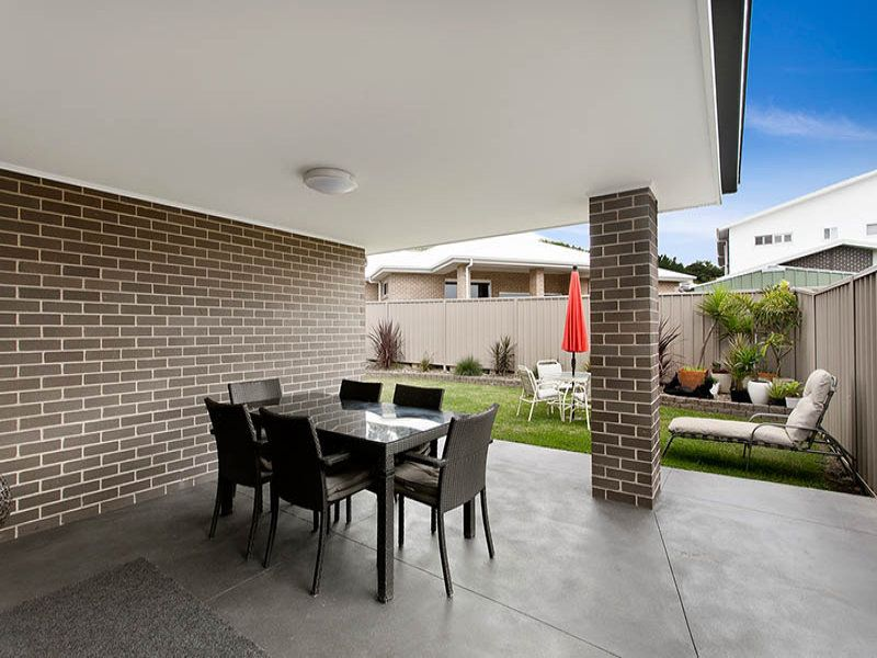 6 Shallows Drive, Shell Cove NSW 2529, Image 2