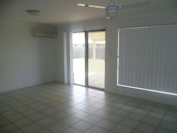 73 Searle Street, Thabeban QLD 4670, Image 2