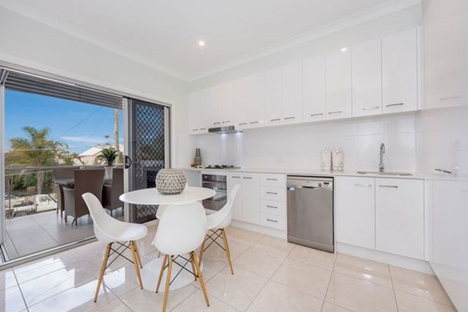 Picture of 2/165 Stratton  Terrace, MANLY QLD 4179