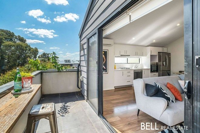 Picture of 1/39 Stamford Crescent, ROWVILLE VIC 3178