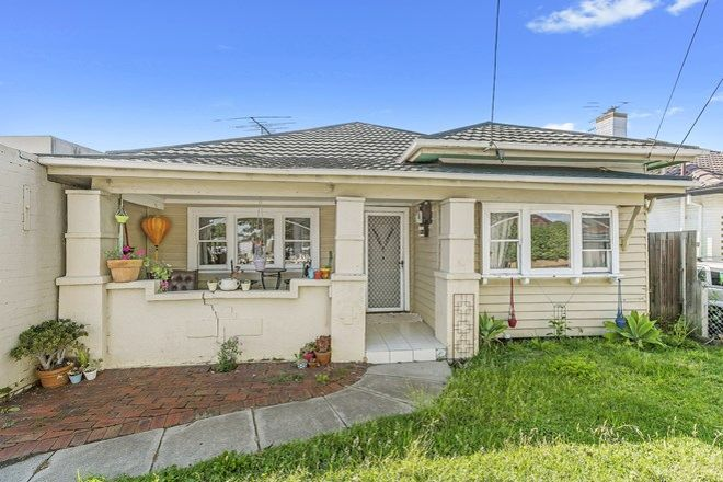 Picture of 1 Summerhill  Road, FOOTSCRAY VIC 3011